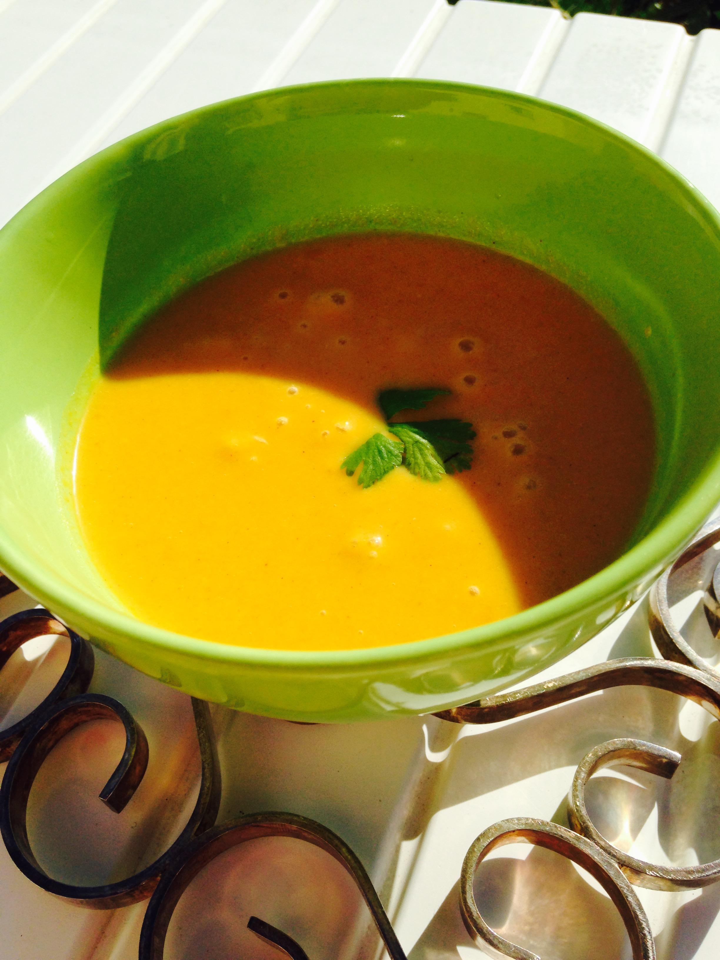 Velouté de carottes et lait de coco